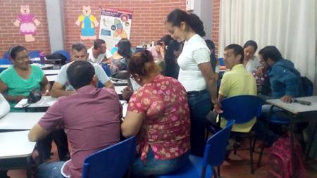 Capacitación a docentes sobre estilos de vida saludables en Corinto