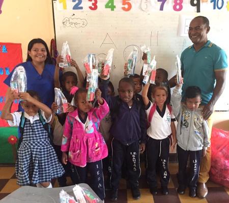 Kits de salud oral se entregaron en zona rural de Miranda - Soy generación más sonriente