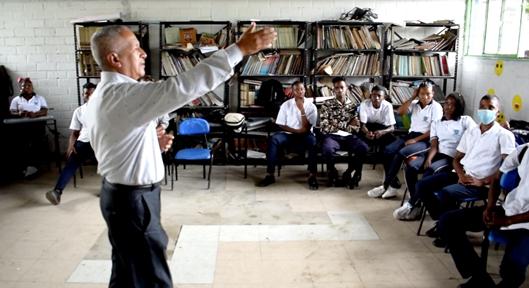 Estrategia para la salud visual y auditiva se realiza en la I.E. Holanda, Padilla, norte del Cauca