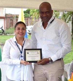 Beatriz Bohórquez Salinas, gerente de la ESE Norte 2 recibió reconocimeinto del alcalde de Guachené