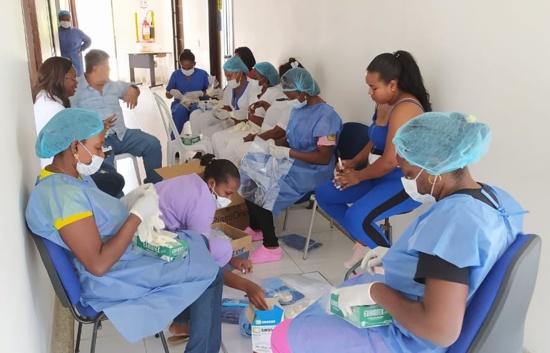 Dios bendiga la noble labor de nuestros súper héroes de la salud